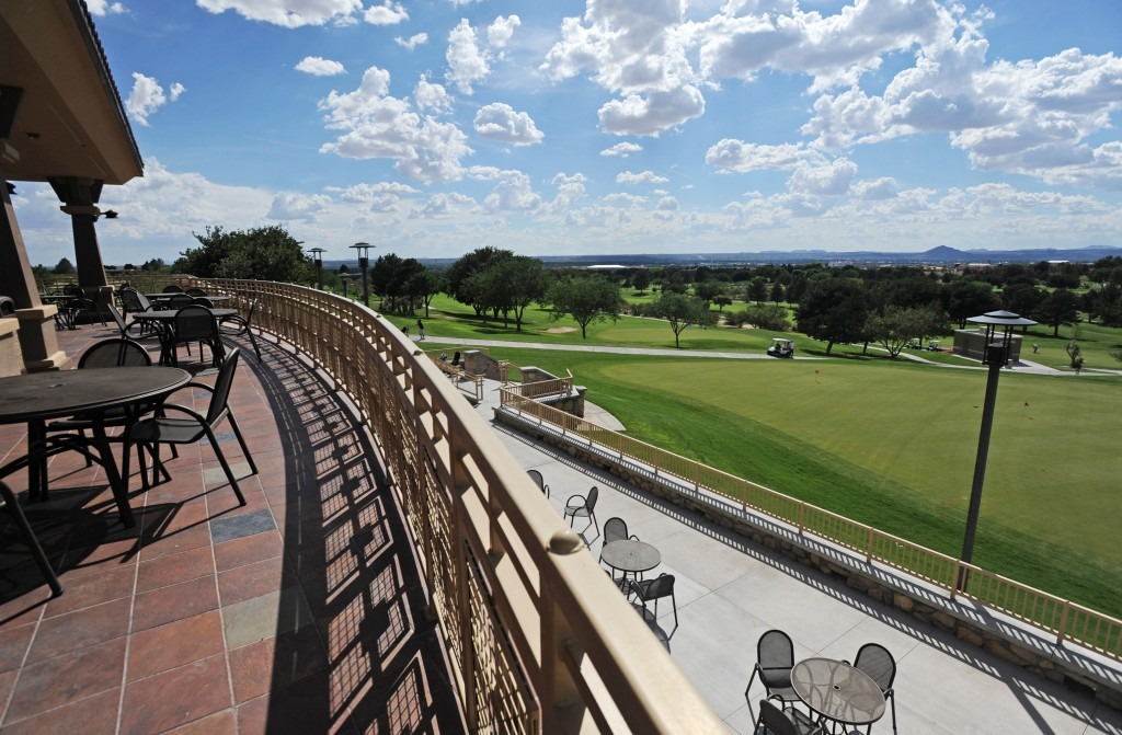 golf_clubhouse_04_070909-1024x671-1